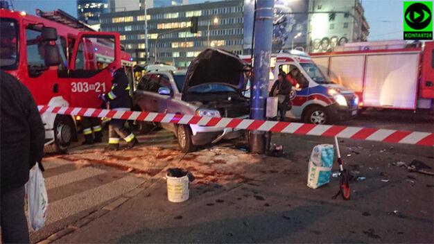 Dwaj funkcjonariusze CBŚP ranni w zderzeniu na placu Zawiszy