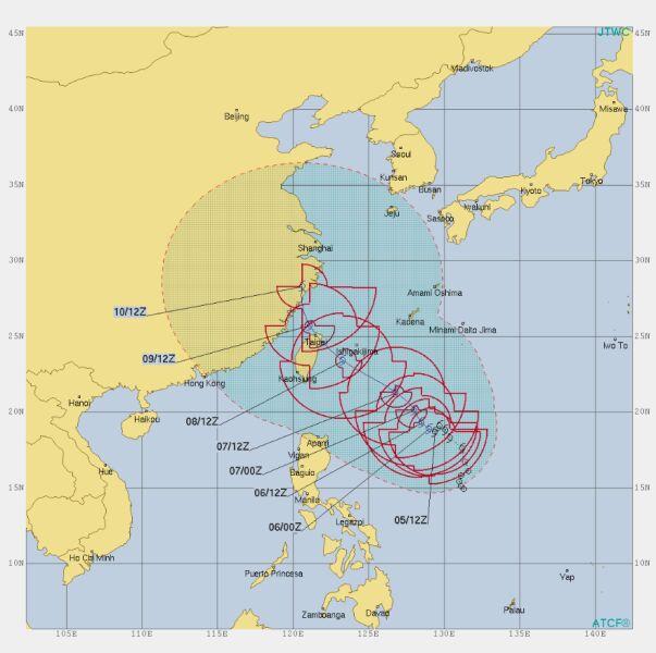 Prognozowana trasa burzy tropikalnej Lekima (metoc.navy.mil)