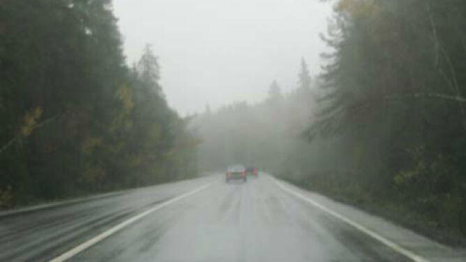 Poranek mglisty. Jedźcie ostrożnie