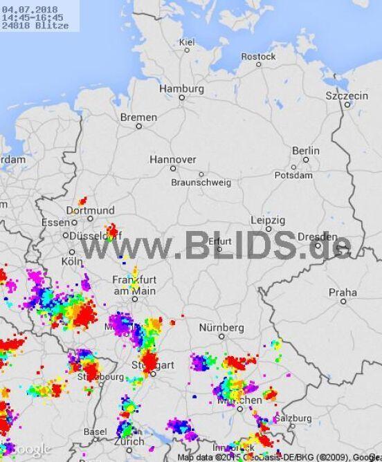 Burze występujące nad Niemcami między 14.45 a 16.45 (blids.de)